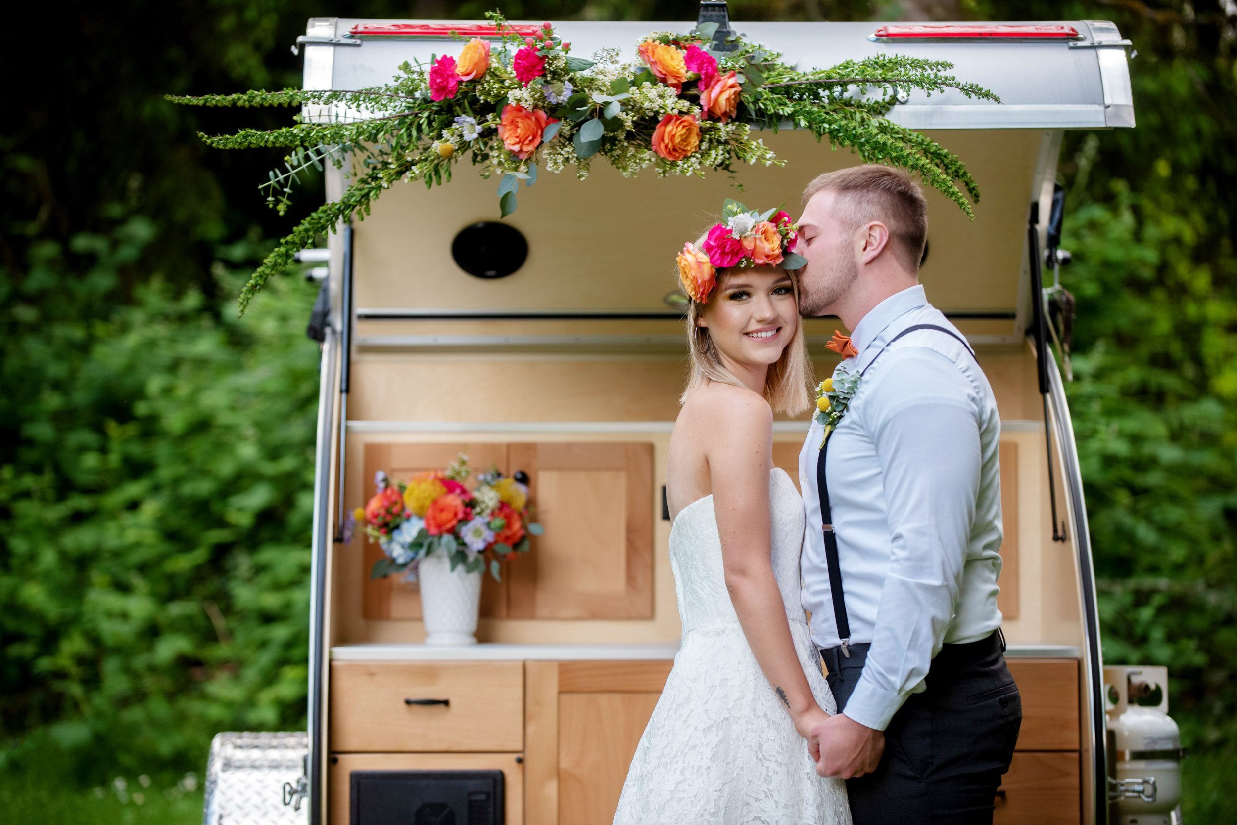 Wedding on Wheels, an adventure elopement package in the Pacific Northwest