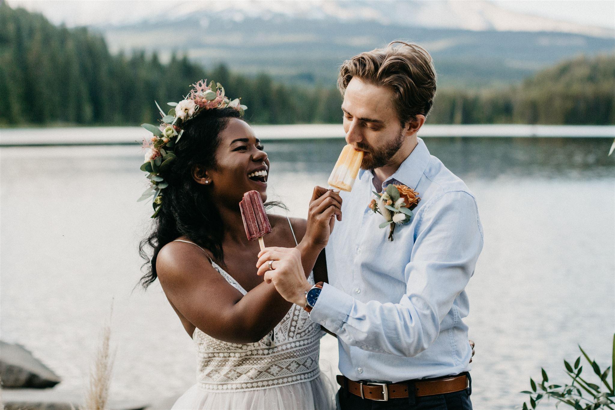 sloshy pops, popsicles, wedding popsicle, wedding desserts, summer wedding