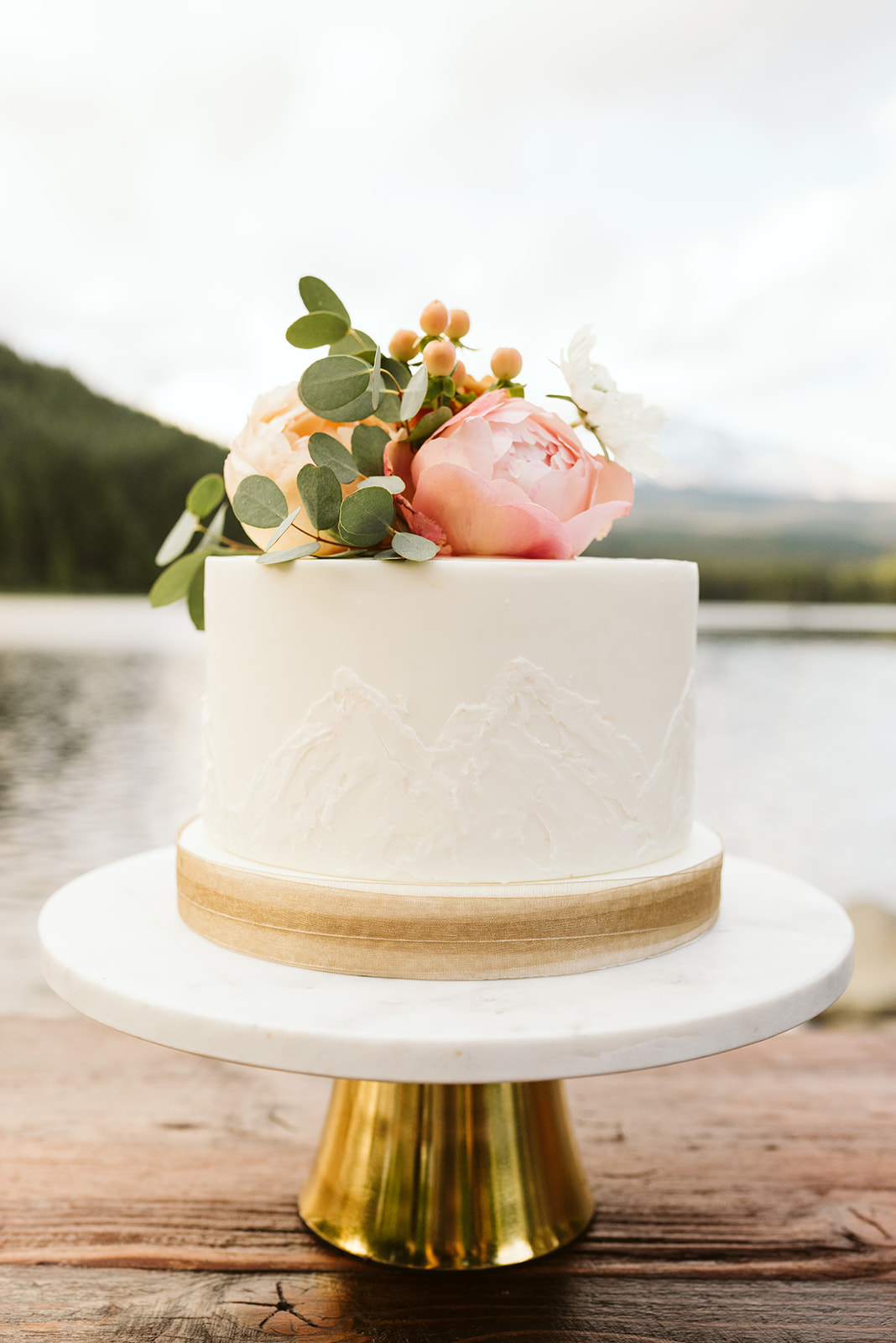 wedding cake, single tier wedding cake, one tier wedding cake, small wedding cake, elopement cake, couples cake