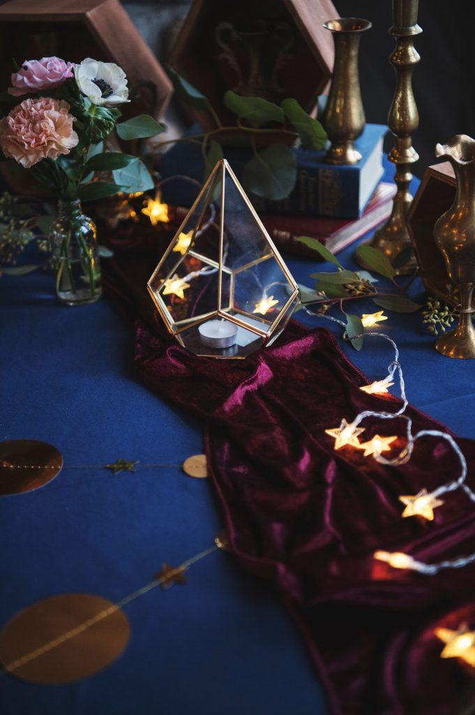 celestial wedding, celestial wedding ideas, celestial wedding table, navy and burgundy wedding