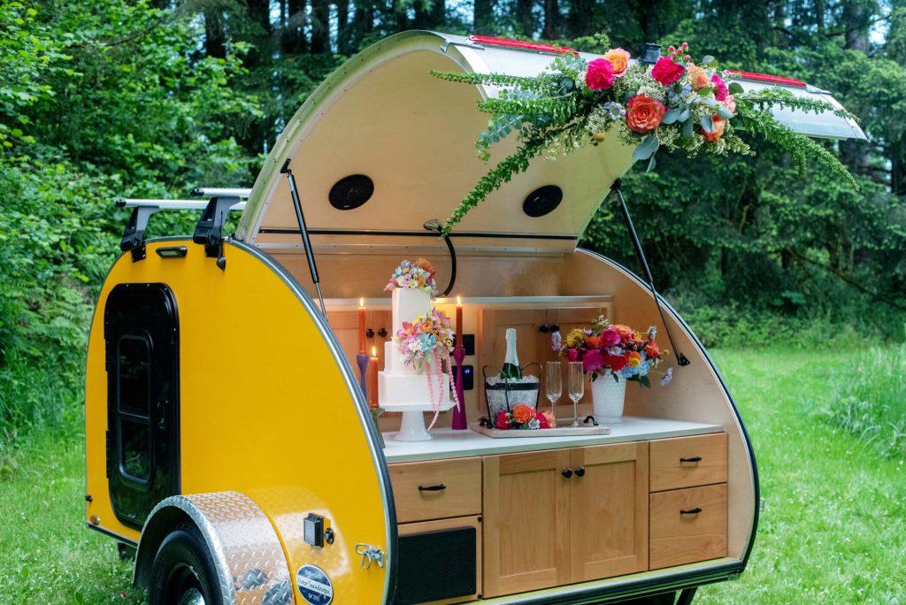 portland wedding flowers, portland wedding florist, oregon wedding florist, camper trailer wedding, trailer wedding, teardrop camper wedding, teardrop camper