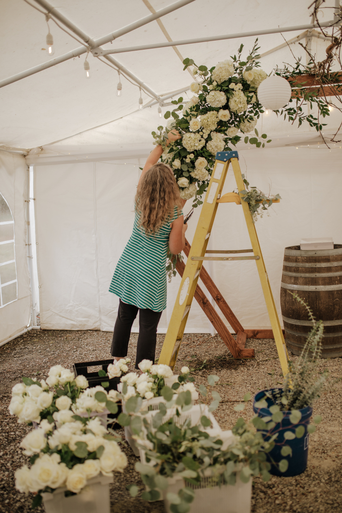 wedding florist, portland wedding florist, oregon wedding florist, wedding flowers, hiring professional florist, white wedding flowers, wedding flowers, altar arrangement, arbor installation