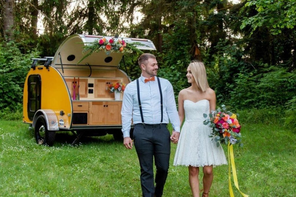 portland wedding flowers, portland wedding florist, bride and groom, bride bouquet, wedding flowers, wedding florist, elopement, elopement flowers