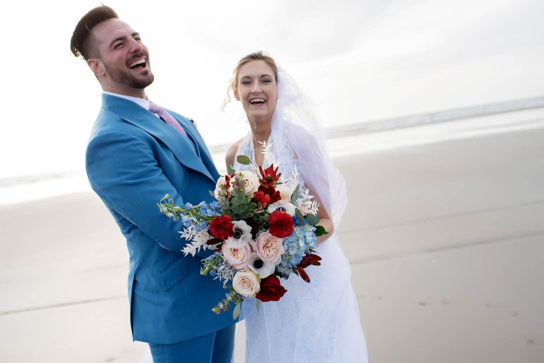 bride and groom, beach wedding, bridal bouquet, oregon wedding flowers, oregon wedding florist, portland wedding flowers, portland wedding florist