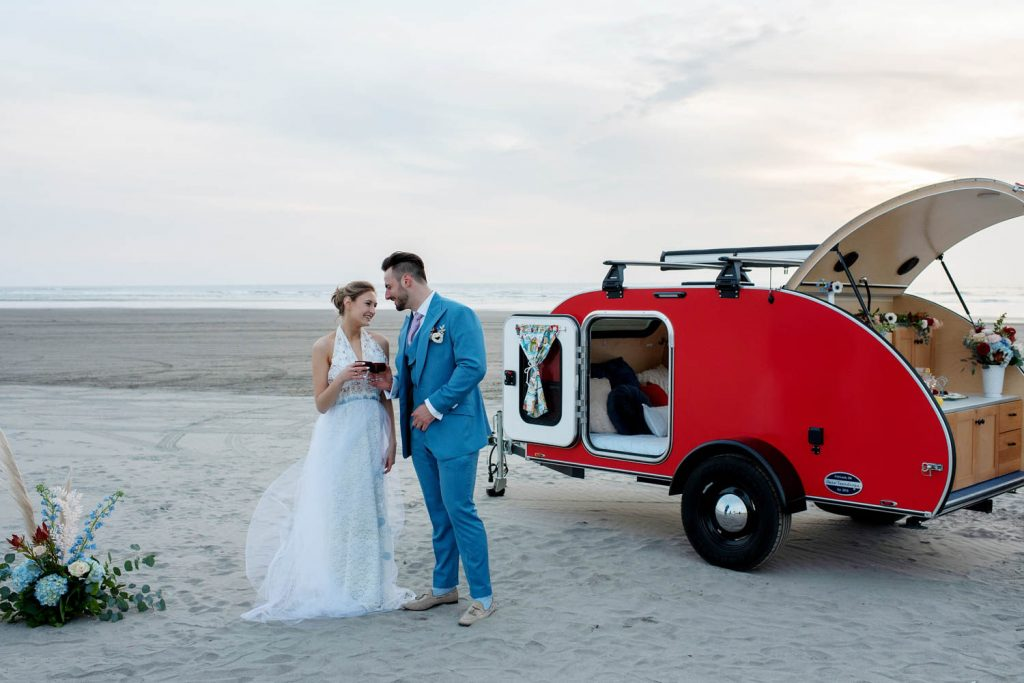 Portland wedding florist, portland wedding flowers, oregon wedding florist, oregon wedding flowers, elopement wedding, adventure elopement